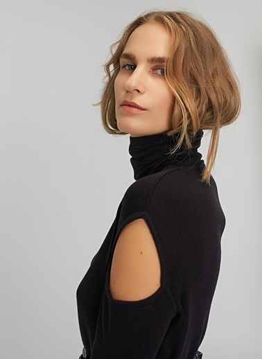 People By Fabrika Omuz Detaylı Triko Elbise Siyah